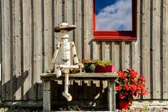 Close-up van een Houten Marionet die door Boomboomstam wordt gemaakt Royalty-vrije Stock Fotografie