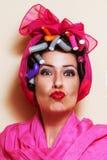 Close-up van een jonge vrouw die een kus geven Royalty-vrije Stock Fotografie