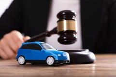 Close-up van een Kleine Blauwe Auto stock foto's