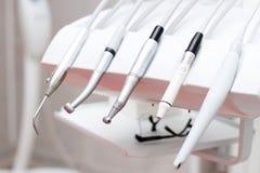 Close-up van een moderne tandartshulpmiddelen, burnishers stock foto