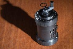 Close-up van een oude mechanische draagbare calculator Stock Foto