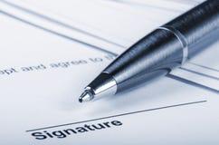 Contract voor het ondertekenen stock afbeelding
