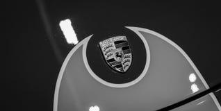 Close-up van een Porsche-embleem royalty-vrije stock foto