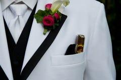 Close-up van een smoking stock afbeeldingen