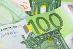 Close-up van euro bankbiljet 100 Stock Foto
