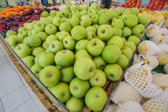 Close-up van groene appelen op een markt Royalty-vrije Stock Fotografie