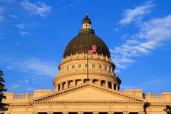 Close-up van het Capitool van de Staat van Utah met warm avondlicht, Salt Lake Stock Afbeeldingen