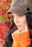 Close-up van het het portret de leuke vrouwelijke modelgezicht van de herfst Stock Afbeelding