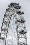 Close-up van het Oog van Londen dichtbij rivier Theems in Londen, het UK Stock Fotografie