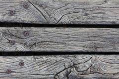 Close-up van het ruwe doorstane hardhout decking Stock Foto's