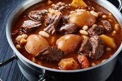 Close-up van hete Traditionele Joodse Cholent Hamin stock afbeelding