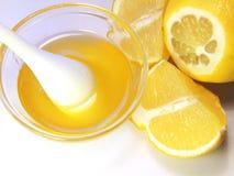 Close-up van honing is ontsproten die. Stock Foto