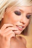 Close-up van jonge aantrekkelijke vrouw Stock Foto's