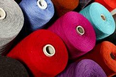 Close-up van kleurrijke draden Stock Afbeeldingen