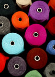 Close-up van kleurrijke draden Stock Fotografie