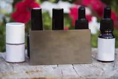 Close-up van malplaatjeflessen met gelnagellak Manicure in het concept van de schoonheidssalon royalty-vrije stock afbeeldingen
