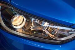 Close-up van op hoofdlicht stock afbeeldingen