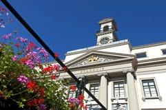 Close-up van oud Nederlands stadhuis in Dordrecht stock foto's