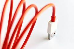 Close-up van rode USB-kabel Stock Foto