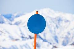 Close-up van rond gestalte gegeven aandachtsteken in de winter Royalty-vrije Stock Foto's