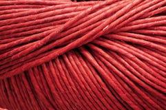 Close-up van rood garen Royalty-vrije Stock Afbeeldingen