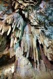 Close-up van stalactieten en stalagmieten Royalty-vrije Stock Foto's