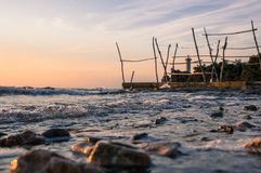 Close-up van stenen tijdens mooie zonsondergang over Adriatische overzees in Kroatië Royalty-vrije Stock Fotografie