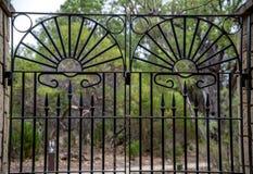 Close-up van toneel gesmede poort in het Nationale Park van Yanchep Stock Afbeeldingen