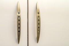 Close-up van uitstekende houten keukenkast royalty-vrije stock afbeelding