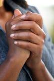 Close-up van vrouw het bidden Stock Fotografie