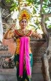 Close-up van vrouwelijke danser bij de Dansstudio van Sahadewa Barong in Banjar Gelulung, Bali Indonesi? royalty-vrije stock afbeelding