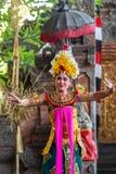 Close-up van vrouwelijke danser bij de Dansstudio van Sahadewa Barong in Banjar Gelulung, Bali Indonesi? royalty-vrije stock fotografie
