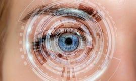 Close-up van vrouwen het digitale oog 3D teruggeven Royalty-vrije Stock Afbeeldingen