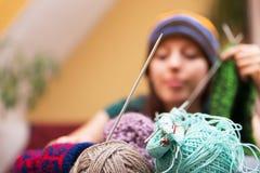 Close-up van wol met een vrouw royalty-vrije stock afbeelding