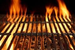 Close-up vazio flamejante da grade do BBQ imagem de stock royalty free