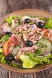 Vegetable salad with tuna Royalty Free Stock Images