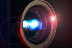 Close-up video COMPLETO da lente do projetor de HD Fotografia de Stock Royalty Free