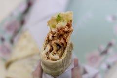 Close-up voor kip doner met onscherpe achtergrond wordt geschoten die royalty-vrije stock foto