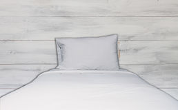 Close up white bedding sheet and pillow Stock Photos