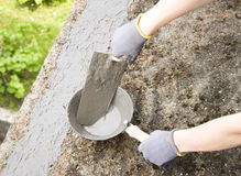 Close-up of woman's hand holding a trowel Royalty Free Stock Photos
