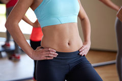 Close up of women working out in gym Royalty Free Stock Photos