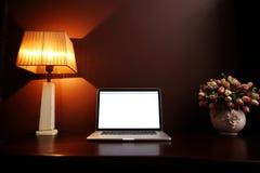 Close-upbeeld van een werkplaats thuis Stock Fotografie