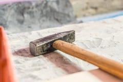 Close-upfoto van bouwhulpmiddelen voor vernieuwing - hamer royalty-vrije stock foto's