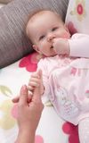 Close-upfoto van mooi babymeisje Royalty-vrije Stock Foto's