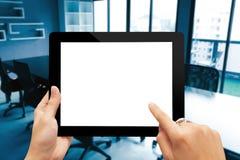 Close-uphand die digitale tablet houden royalty-vrije stock foto