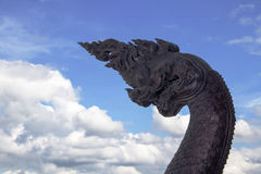 Close-upkoning van Nagas-Standbeeld Stock Foto's