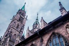 Close-upmening van de Basiliek van Heiligen Peter en Paul tegen de blauwe hemel royalty-vrije stock foto's