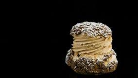 Close-uppanorama Verlaten van Enig Frans Dessert Choux stock footage