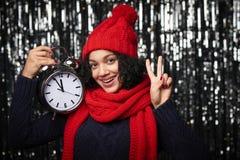 Close-upportret van gelukkige de wintervrouw Stock Foto's