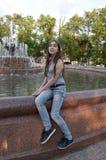 Close-upportret van het charmeren van jong meisje Stock Foto